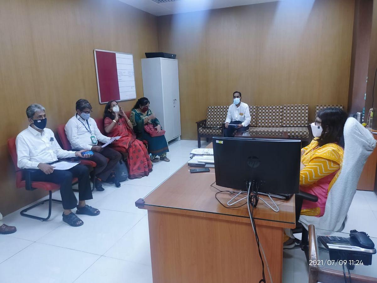 Mumbai: Passenger associations launch online campaign #LocalShuruKara