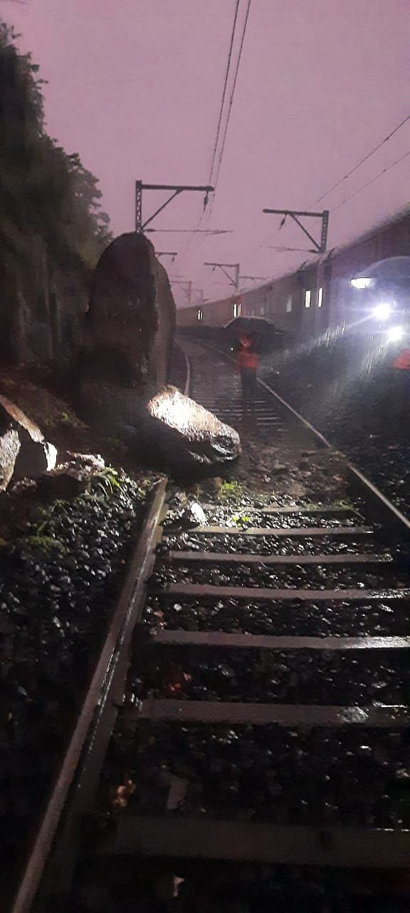 It stated that the train service between Igatpuria and Khardi was temporarily stopped due to waterlogging.