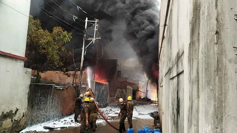 West Bengal: Fire breaks out at chemical factory, 5 injured
