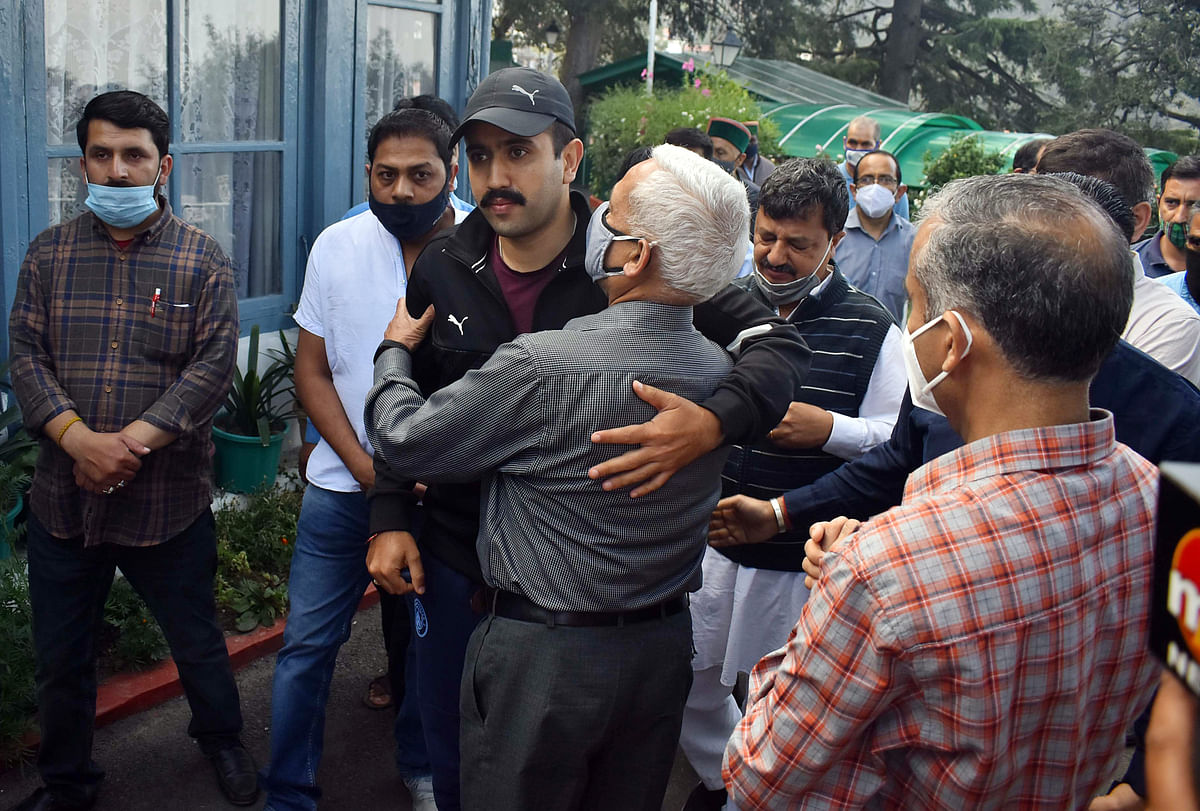 Family members and supporters gave condolences to Vikramaditya Singh son of Virbhadra Singh, and mourn over the death of Former Himachal Pradesh Chief Minister, in Shimla on Thursday.