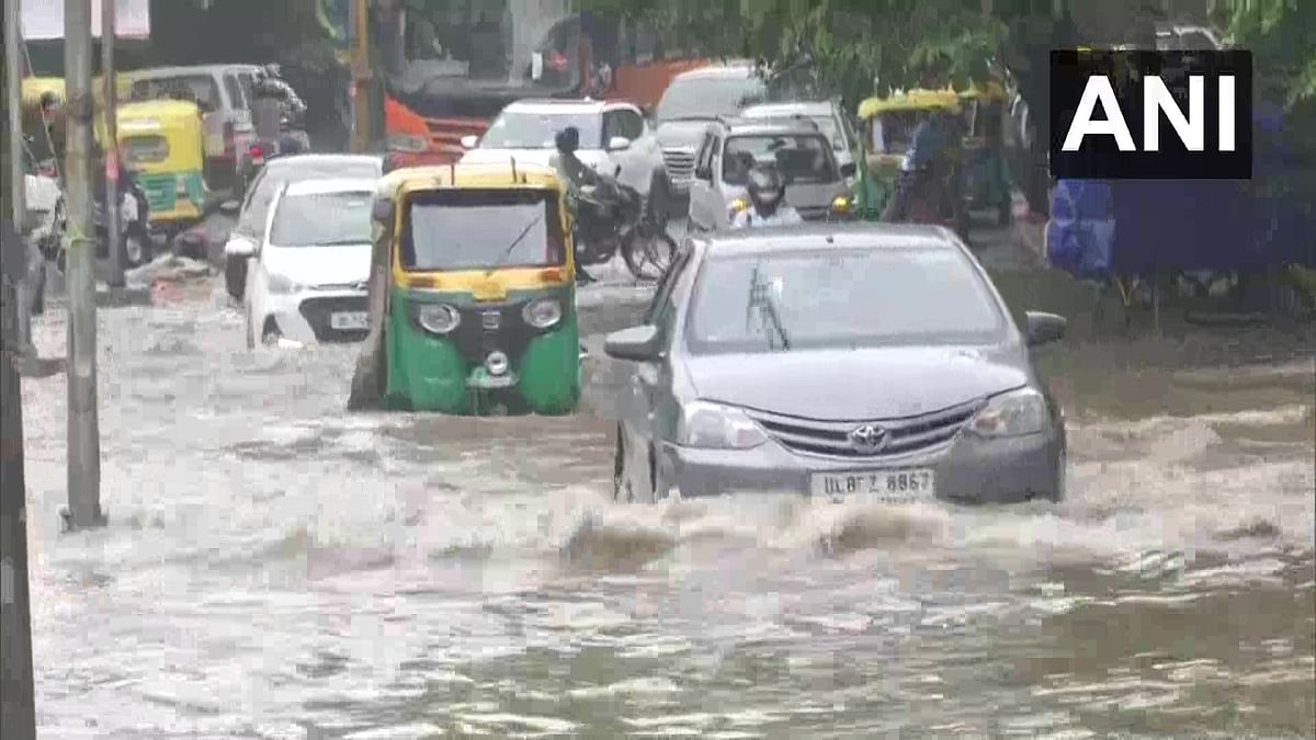 Heavy rains cause extensive waterlogging in Delhi, traffic movement affected. See Photos