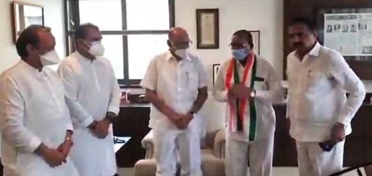 Maharashtra: Rashtriya OBC Mahasangh convener Dr Ashok Jiwtode joins NCP in presence of party chief Sharad Pawar