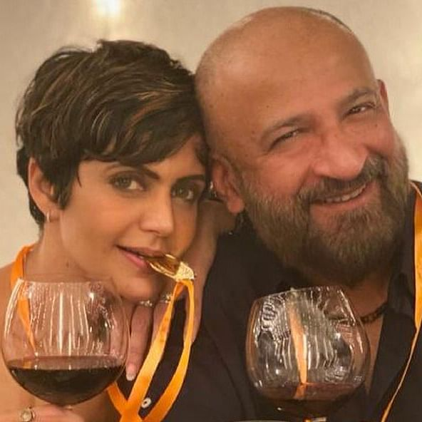 Mandira Bedi pays tribute to late husband Raj Kaushal, shares their happy pictures