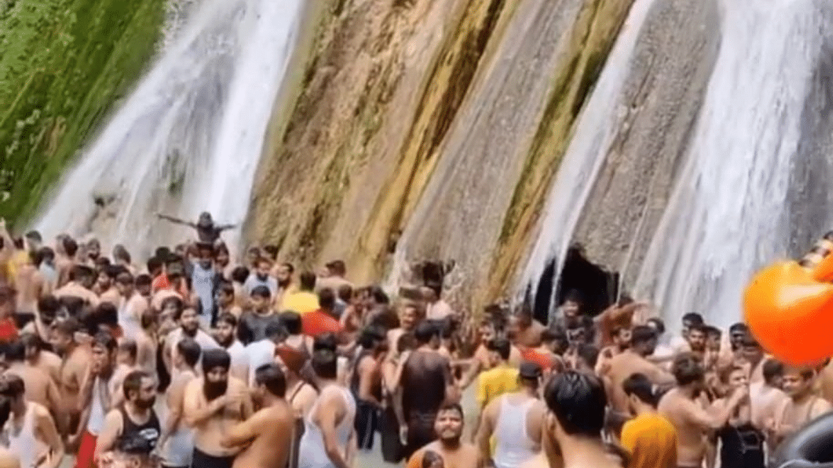 Only 50 tourists allowed at Mussoorie's Kempty Falls after viral video shows COVID-19 norms violation; Twitterati say 'too late'