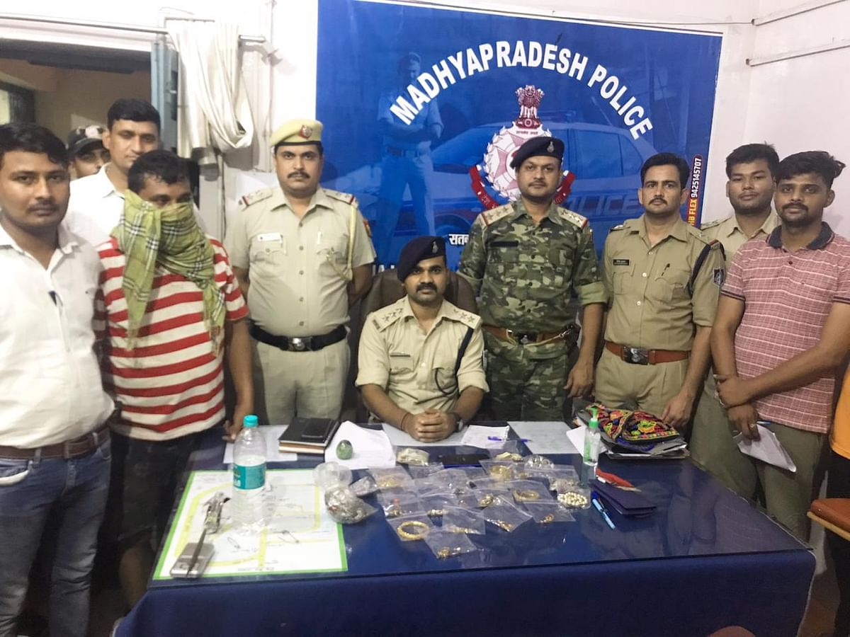 Tikamgarh: Madhya Pradesh police arrest third accused of murder of former union minister's wife, hand him to Delhi police