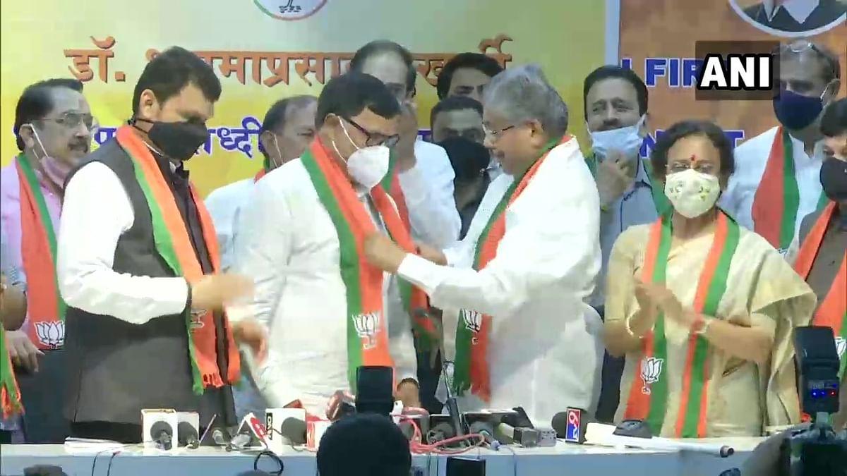 Former Congress Minister Kripashankar Singh joins BJP in Mumbai