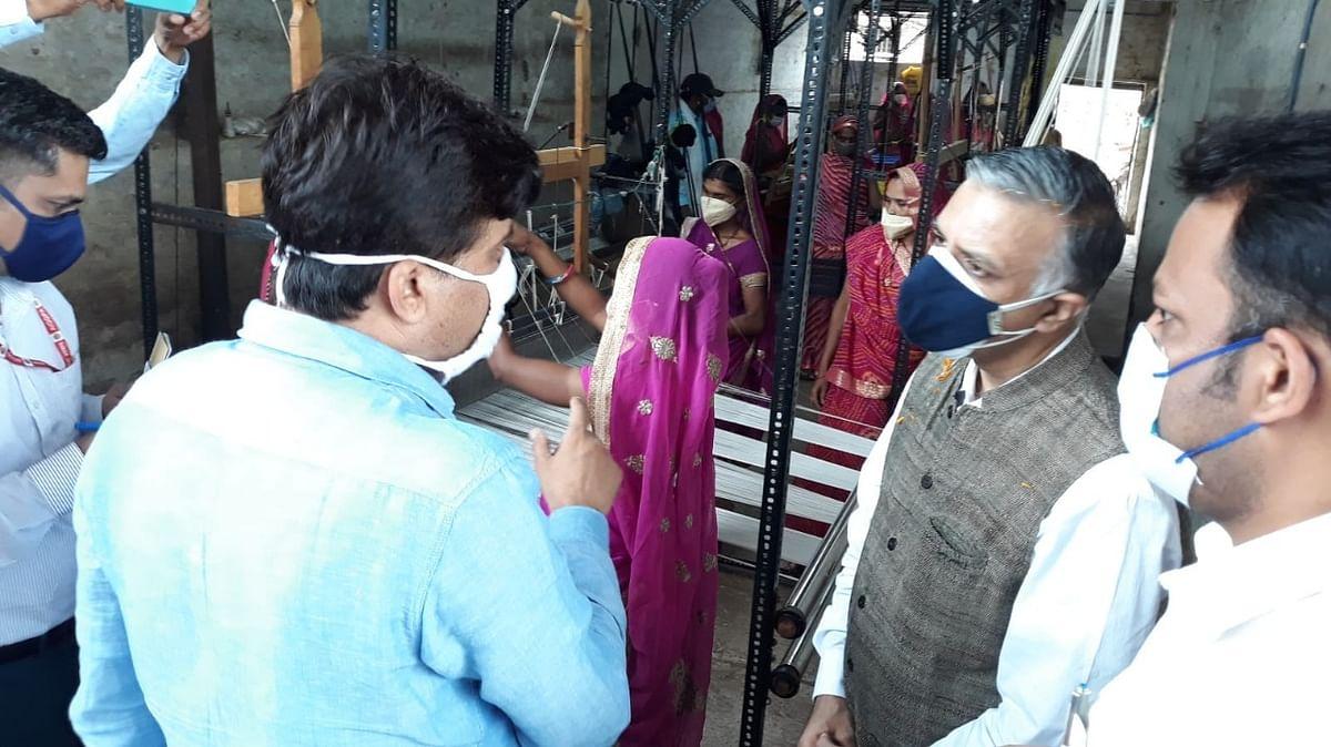 Madhya Pradesh: Sachin Chaturvedi visits Aashram Hills in Barwani, plants palm tress, assures of more plantation