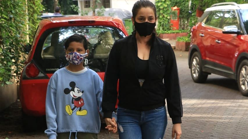 In Pics: Actress Neelam Kothari makes a rare appearance with adopted daughter Ahana