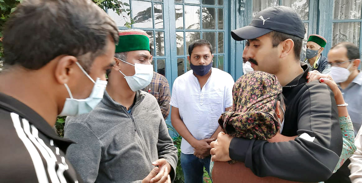 Former Chief Minister of Himachal Pradesh Virbhadra Singhs son Vikramaditya Singh arrives at his residence as his father passes away, in Shimla on Thursday.