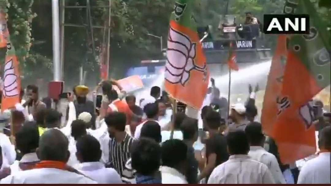 Punjab: Water cannons used to stop BJP workers from reaching CM Amarinder Singh's residence