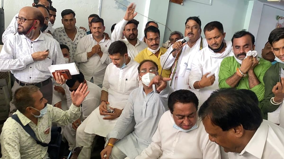 Watch videos: Kamal Nath demands CBI probe after visiting victims' families in Nemawar in Madhya Pradesh district