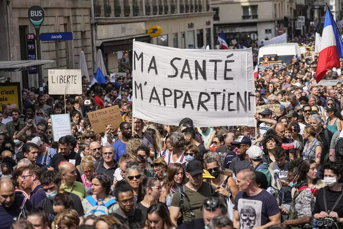 Anger as French protesters compare vaccines to Nazi horrors