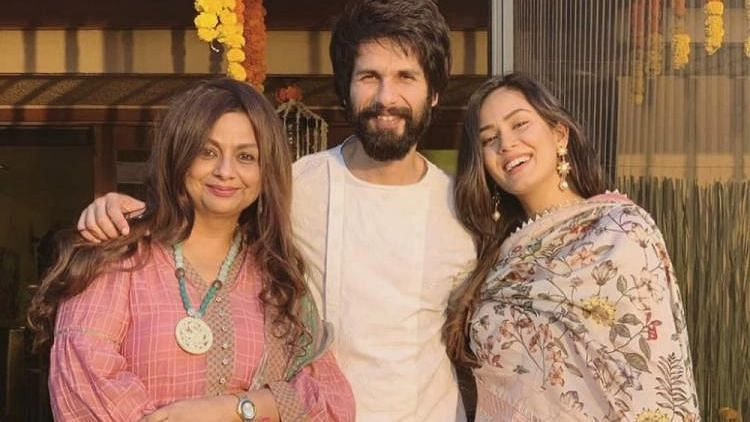 Watch: Mira Rajput, Neelima Azeem reprimand Shahid Kapoor for being busy on his phone during 'family time'
