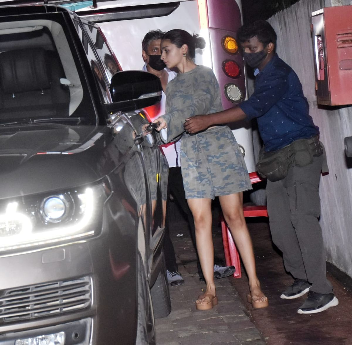 In Pics: Alia Bhatt, Kartik Aaryan, Shahid Kapoor and other Bollywood stars spotted by paps in Mumbai