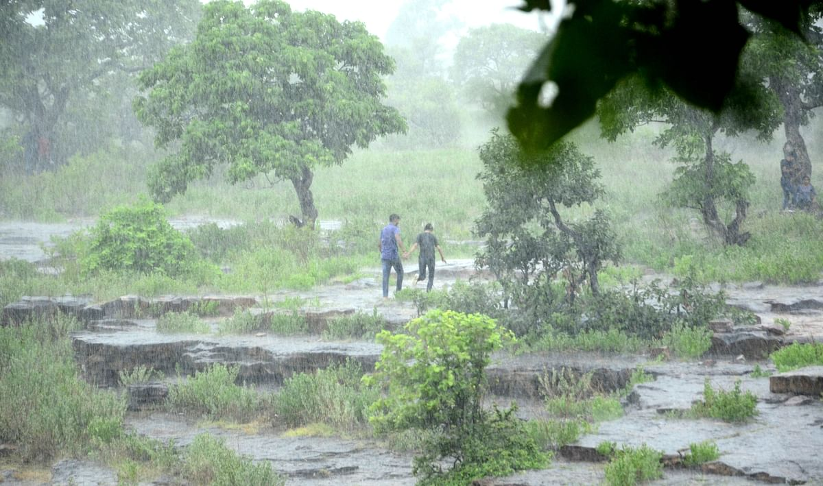 Lightning warning issued for many districts in Madhya Pradesh