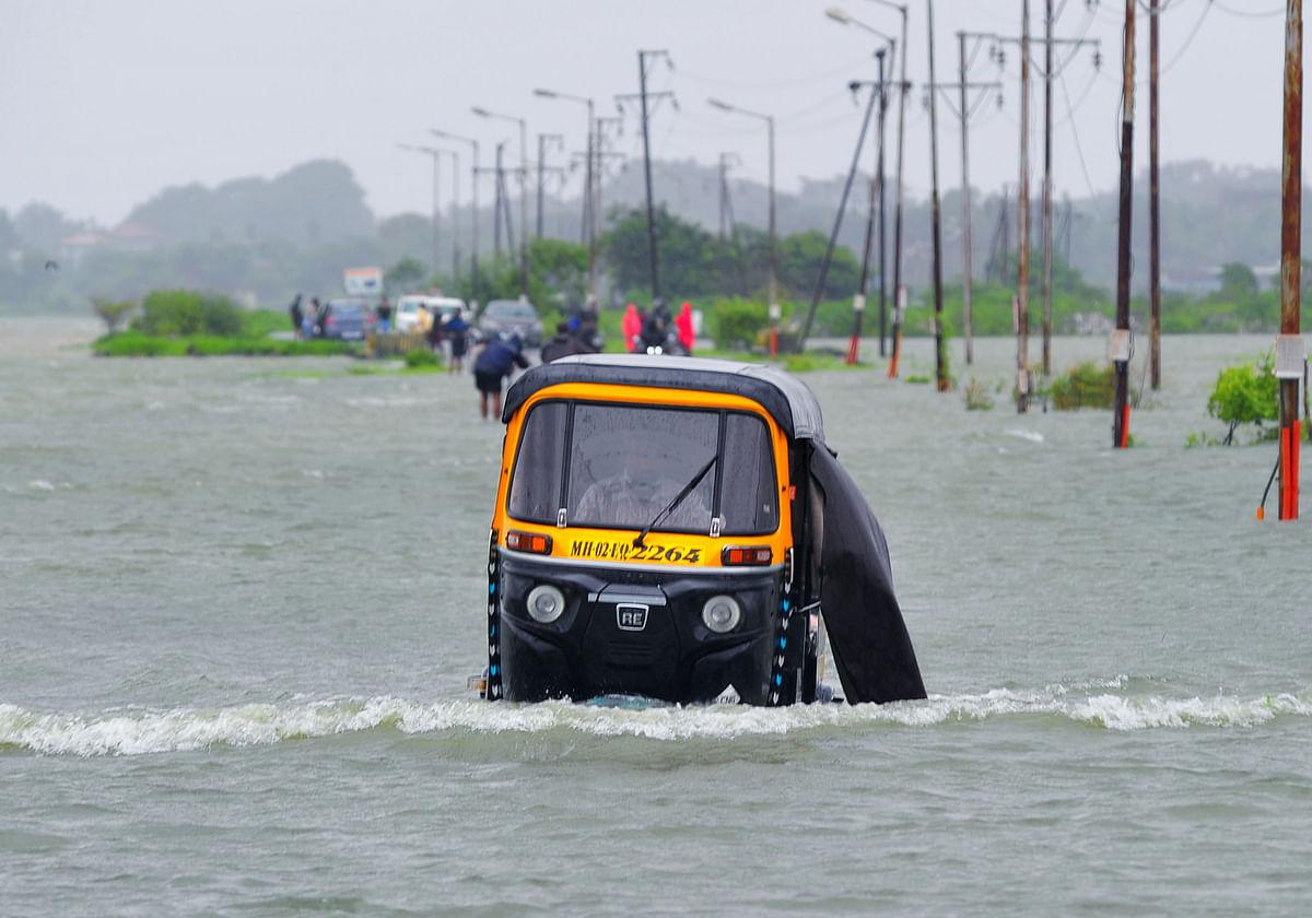 Watch: Heavy rains batter Mumbai, leave several areas waterlogged (Visuals from Vasai)