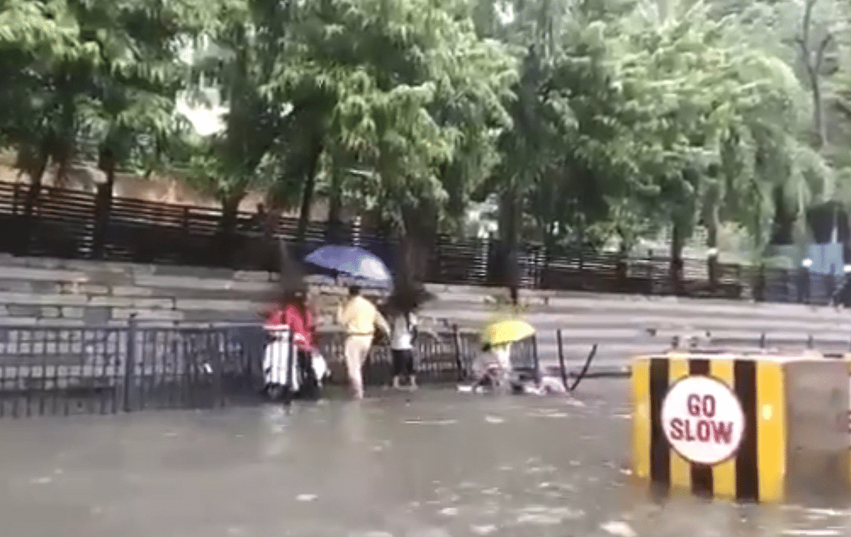 Mumbai: Viral video of woman falling on waterlogged road in Andheri West raises concerns; BMC says 'not a manhole'
