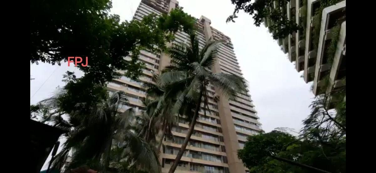 COVID-19 in Mumbai: BMC seals 'Prithvi Apartments' building located at Altamount Road - Watch Video