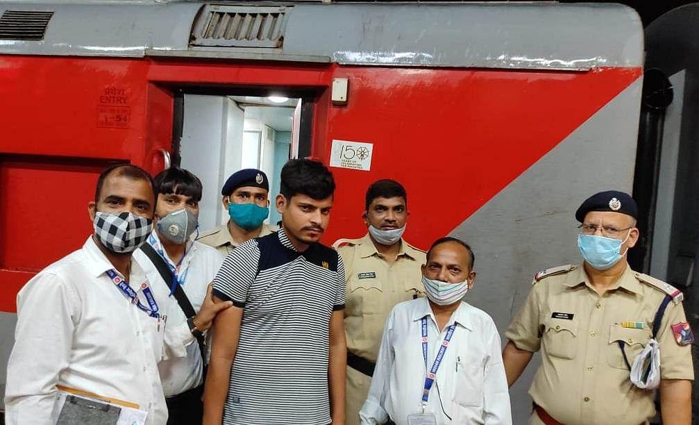 RPF apprehends imposter posing as ticket examiner