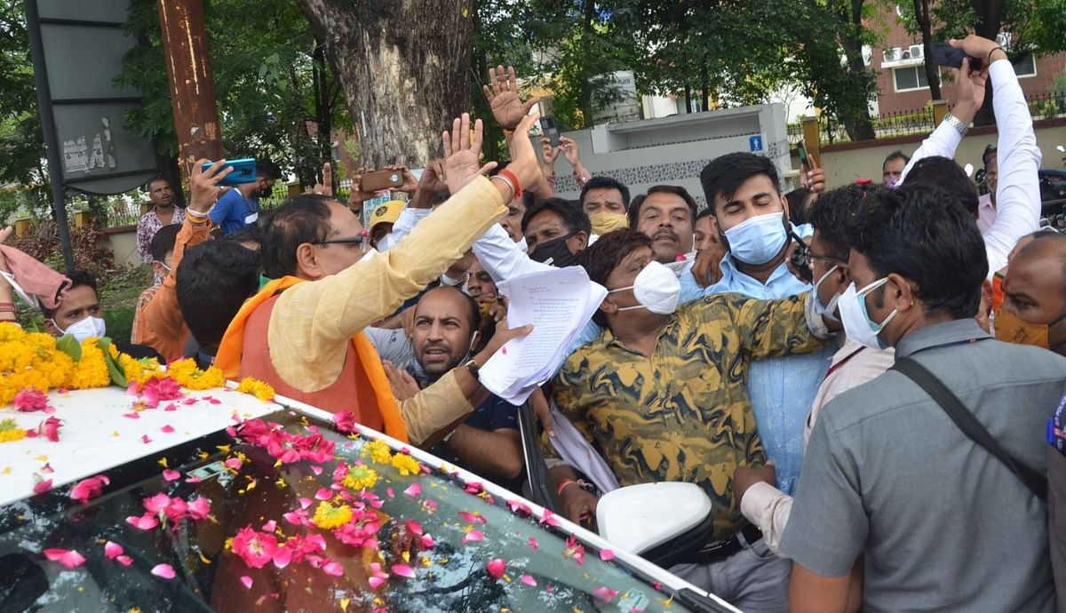People hand over memorandum to the CM during his 'hectic' visit to the city