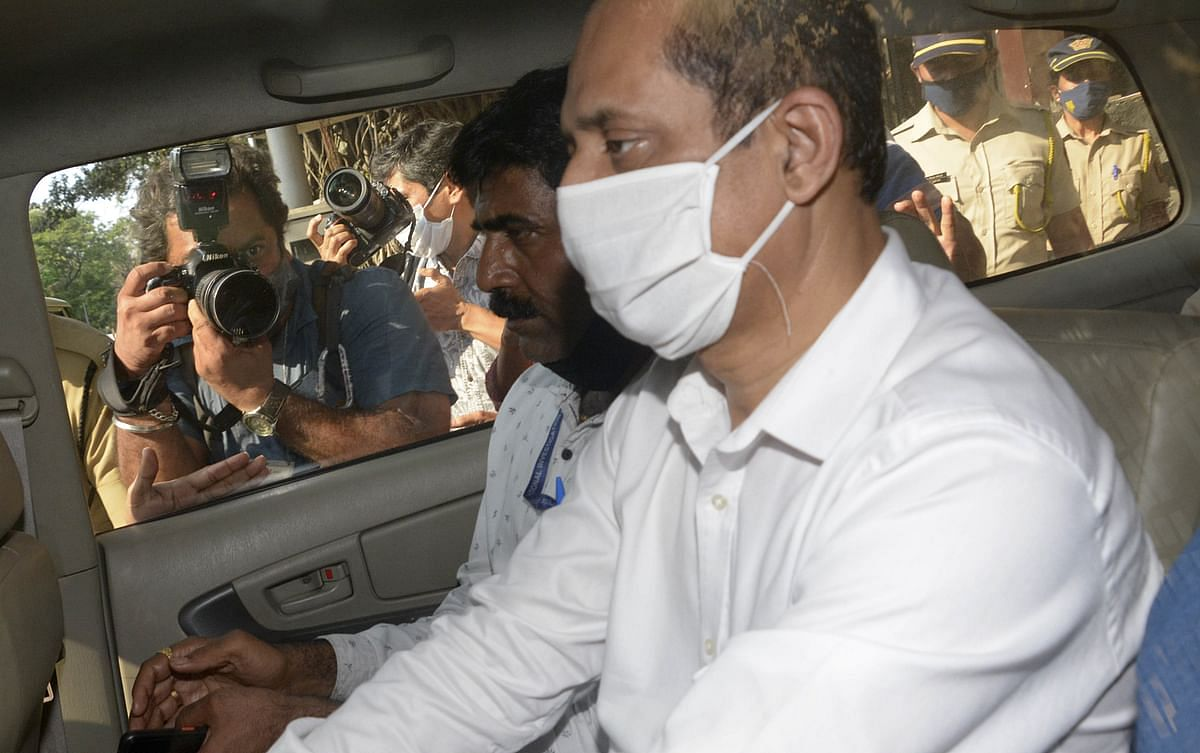 Mumbai: ED to record Vaze's statement in money laundering case