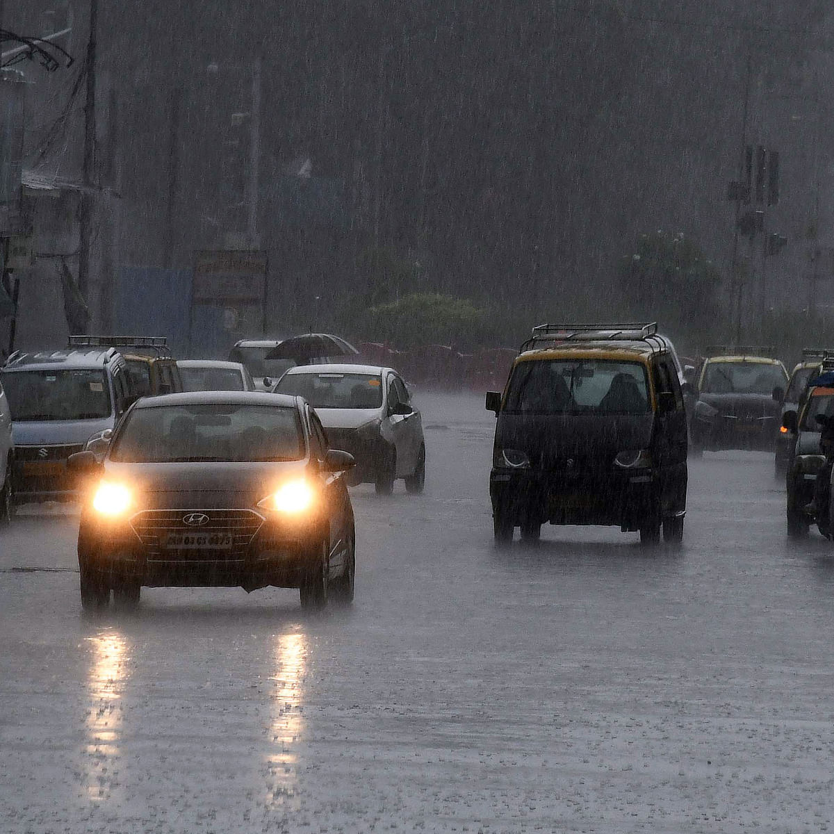 Mumbai weather updates: A day after heavy rains battered city, IMD predicts moderate to heavy rainfall and thundershowers for today