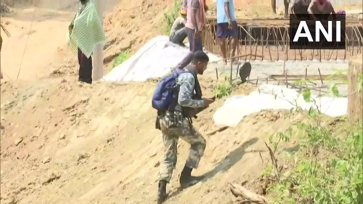 The security forces have successfully established their camp in Minpa village, which is considered a meeting point of Naxals