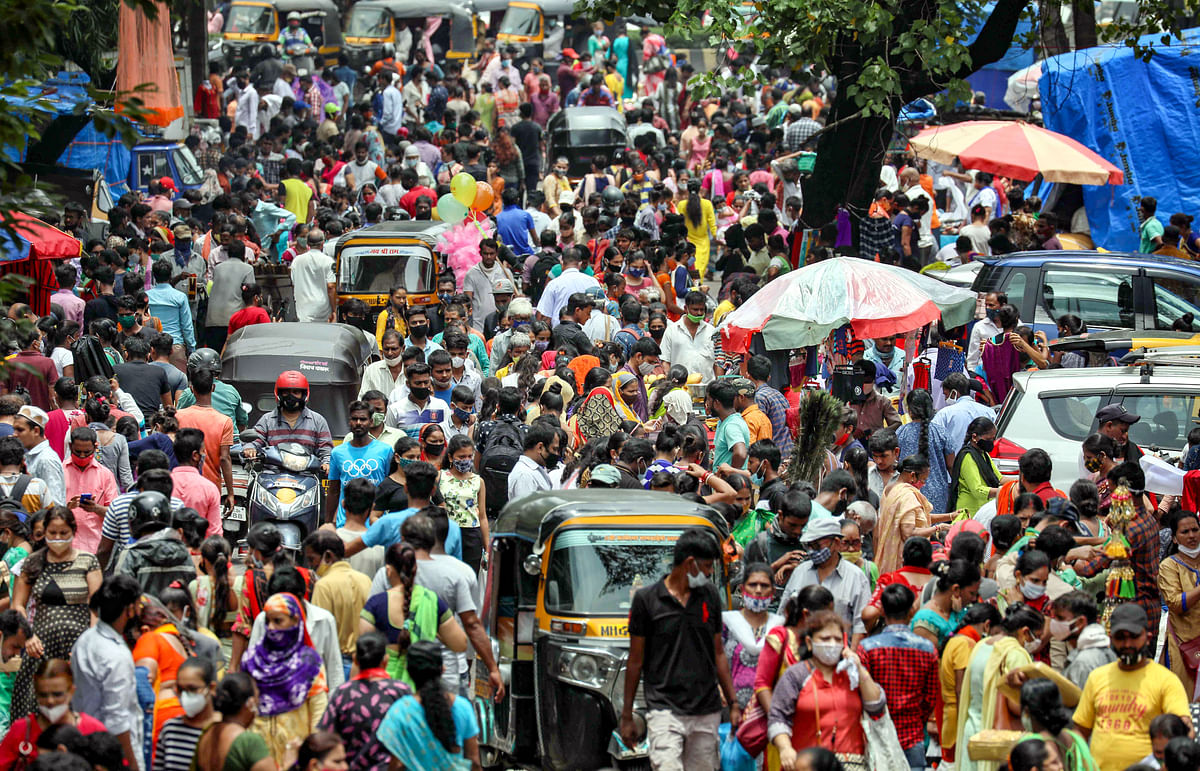 Mumbai: A crowded market after ease in COVID-induced lockdown restrictions, in Mumbai, Wednesday, July 14, 2021.