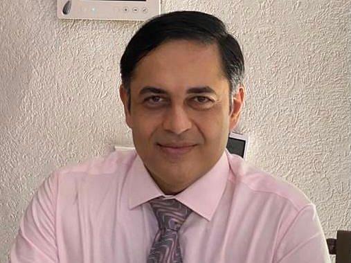 Dr Amit Thadhani