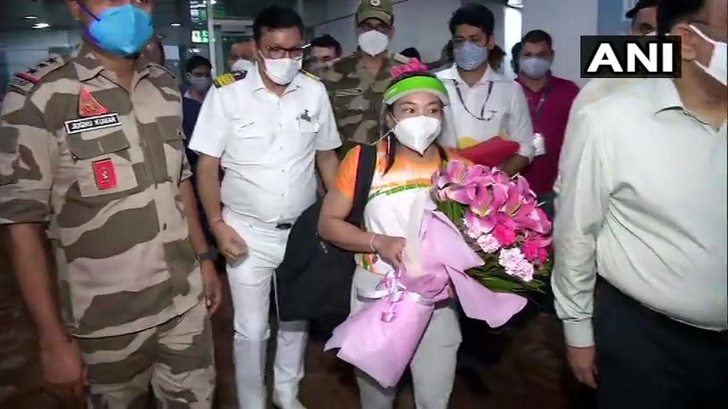 Watch Video: Olympic silver medalist Mirabai Chanu returns home to 'Bharat Mata ki Jai' chants