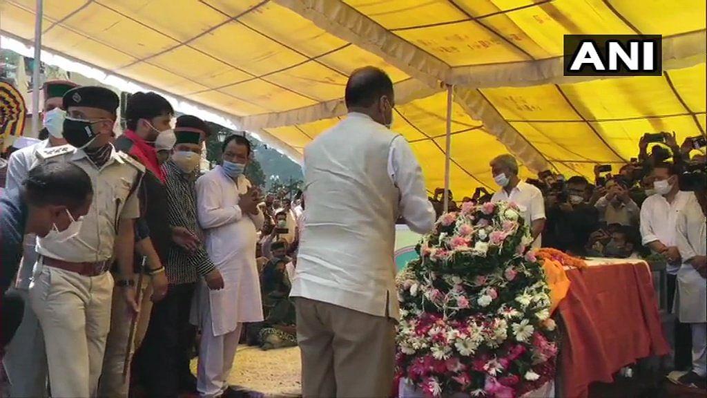 Himachal Pradesh CM Jairam Thakur pays tribute to former Himachal Pradesh CM & Congress leader Virbhadra Singh.