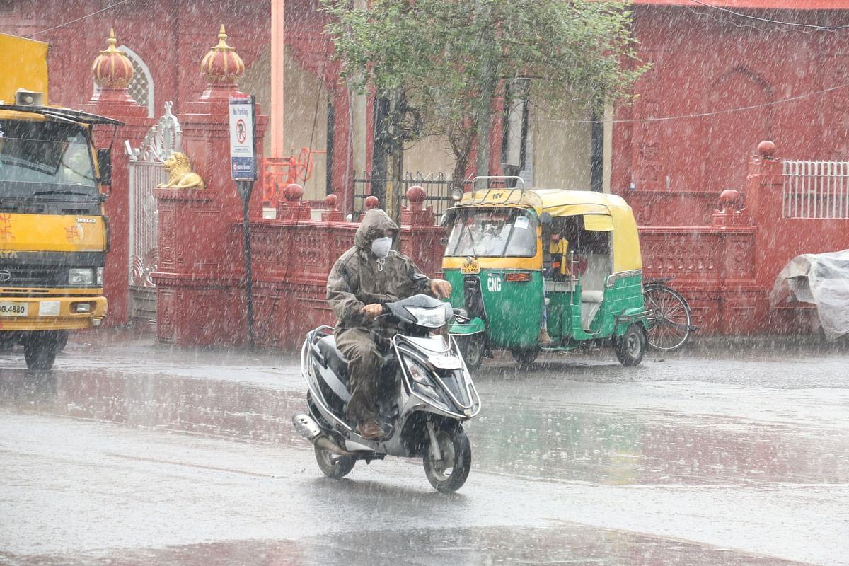 Rain lashes city on Wednesday .