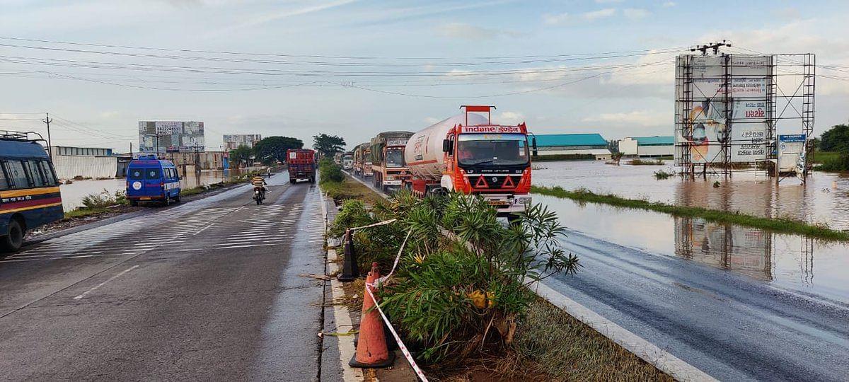 Maharashtra: Pune-Bengaluru highway fully reopens for traffic as water recedes near Kolhapur - See photos