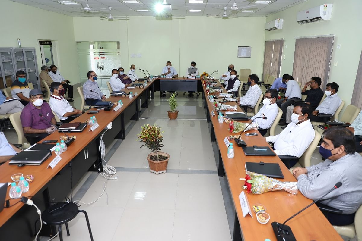 Meeting of  MPPTC and Power Grid officials underway  in Jabalpur on Tuesday