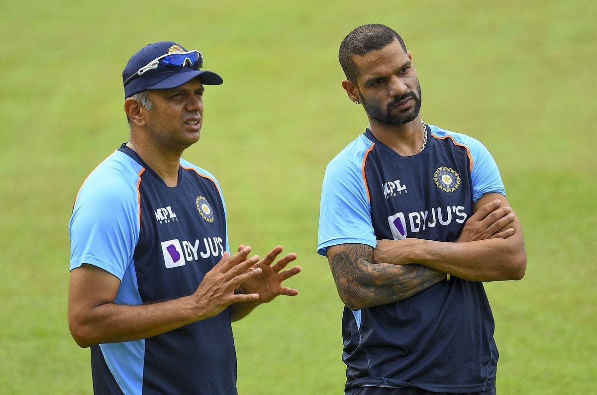 Coach Rahul Dravid (L) with captain Shikhar Dhawan
