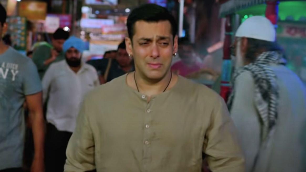 Salman Khan has an epic reaction to netizen who called his performance 'dikhawa wala acting'