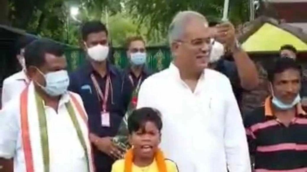 Watch Video: Chhattisgarh CM Bhupesh Baghel meets 'Bachpan ka pyar' fame Sukma Sahdev
