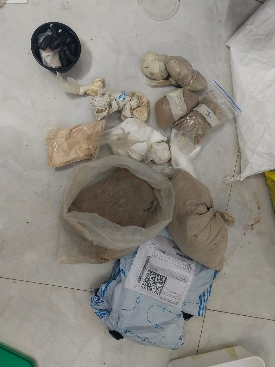"""""""We have seized 1 kg 25 gram of M.D (mephedrone) worth Rs 2.50 crore and 1 kg 80 grams of heroin worth Rs 3.24 crore in international market, and cash worth Rs 65,000 from the accused. Salim was arrested by the ANC in 2016. We are further investigating to establish the supply chain,"""" said Datta Nalawade, deputy commissioner of police, ANC, Mumbai crime branch."""