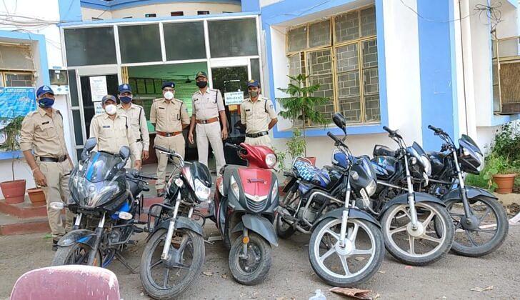 Madhya Pradesh: Minor among two held in Barwani, bikes worth Rs 3.75L seized