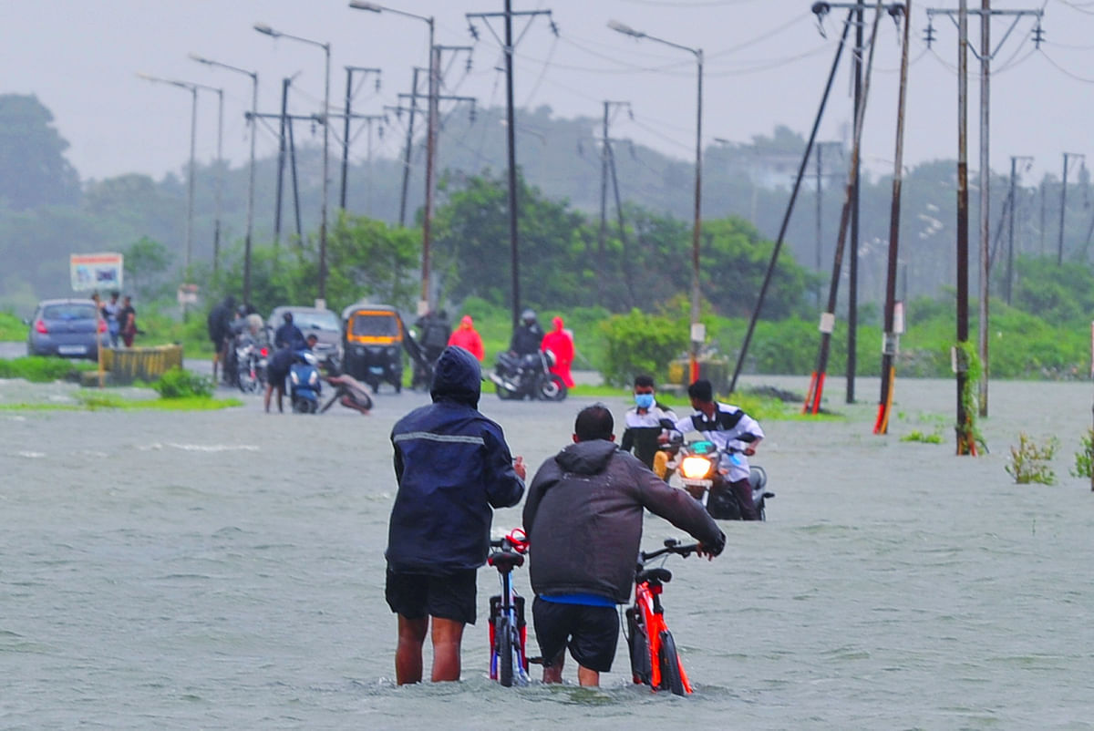 Mumbai: IMD issues red alert for next 2 day in 5 districts