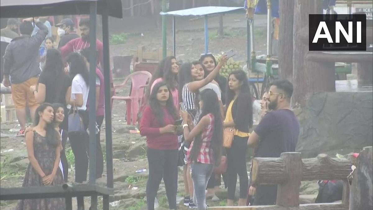 Watch video: Tourists continue to reach Lonavala amid relaxations in COVID-19 restrictions; many seen without mask