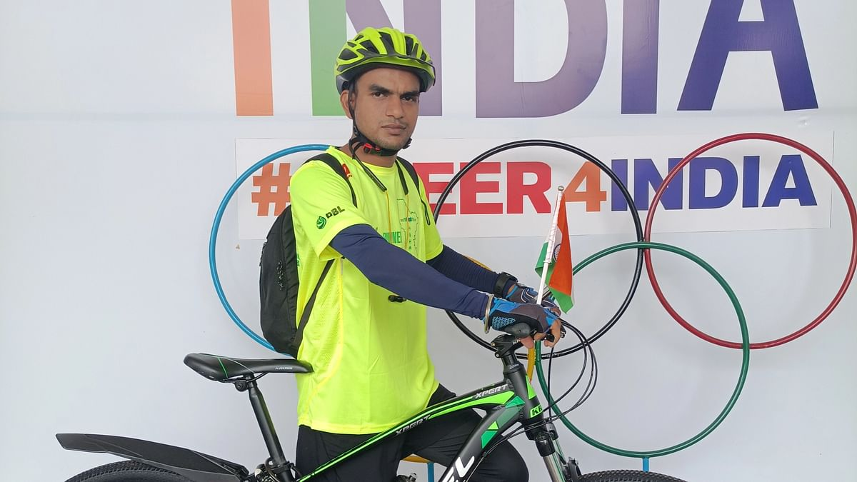 Bhopal: Young lad paddles to Mahakal for the success of the Indian contingent in the Olympics