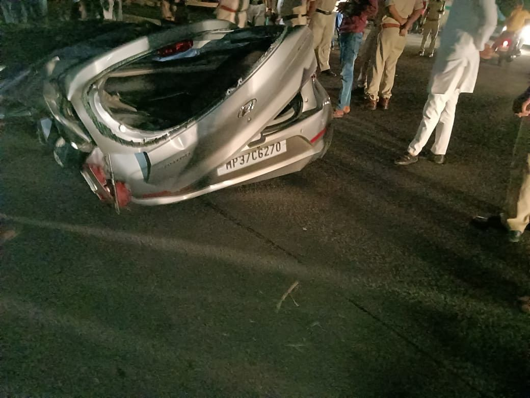 Madhya Pradesh: Couple dies in Sehore as truck overturns on a car
