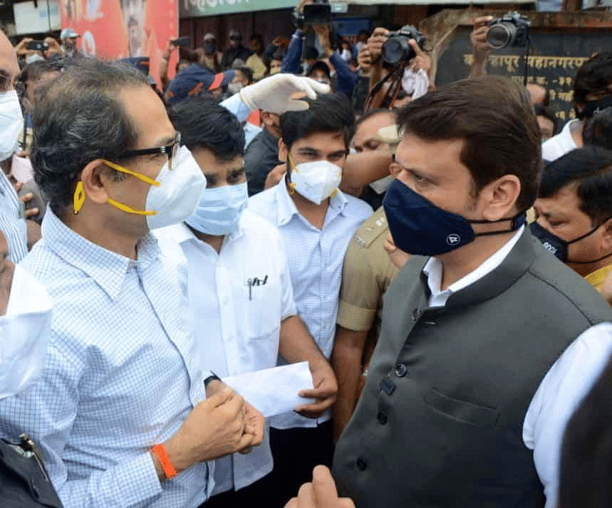 Maharashtra CM Uddhav Thackeray and LoP Devendra Fadnavis briefly discuss relief and rehabilitation plans during their visit to Kolhapur