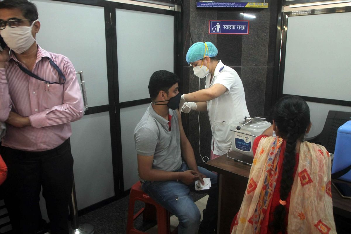 Report proposes 'Mumbai Plus' approach for COVID-19 vaccination planning and unlocking