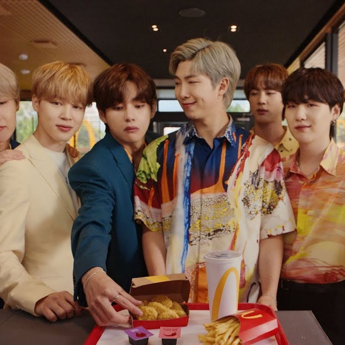 K-pop boy band BTS help McDonald's earn more than Rs 16,000 crore profit with its special meal