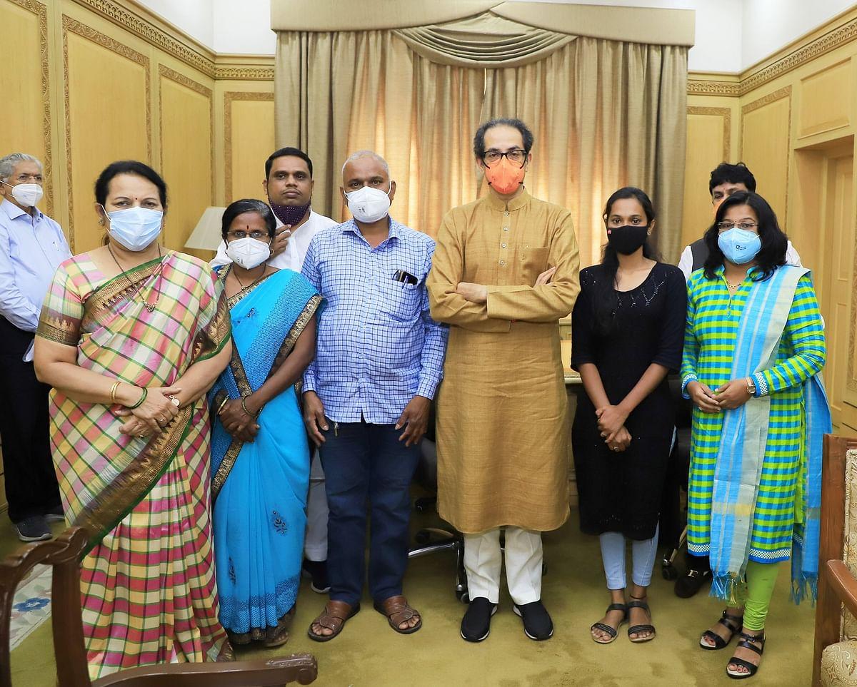 Mumbai: BJP repays loan of MPSC aspirant Swapnil Lonkar's family