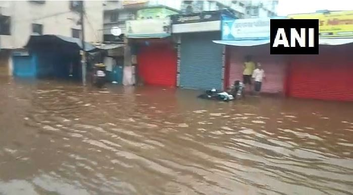 Streets in Nalasopara flooded with water