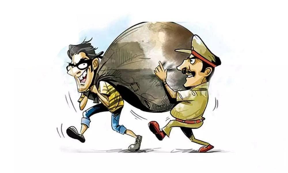Mumbai: 'Muddemaal' worth Rs 21 lakh went missing, ASI booked