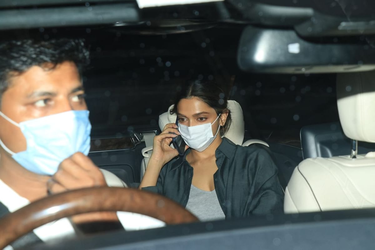 Mumbai: Deepika Padukone, Ranbir Kapoor and other Bollywood celebs spotted in the city; see pics